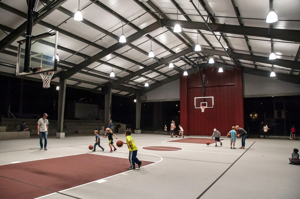 sports court hoops
